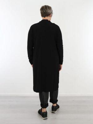 angelle-milan-blouse-jurk-lang-model-van-travelstof-in-basic-zwart-gekleurd
