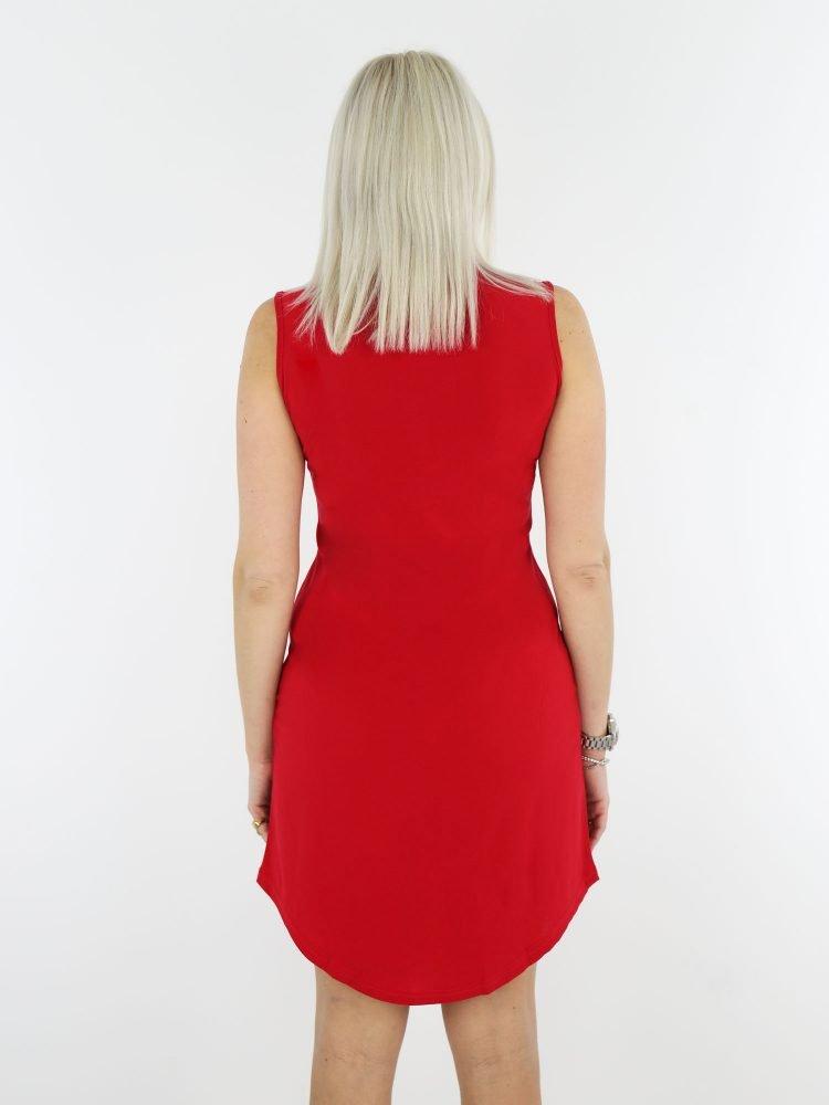 tuniek-van-travelstof-angelle-milan-in-rode-kleur-mouwloos