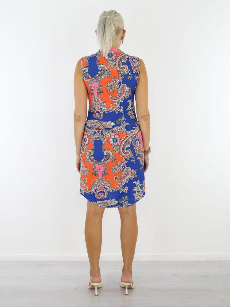 Angelle-Milan-blauw-oranje-travelstof-tuniek-met-paisley-print-van-Angelle-Milan