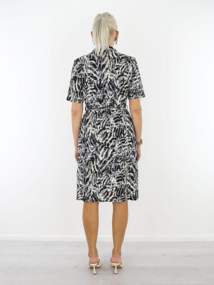 angelle-milan-travel-jurk-abstract-in-zwart-met-beige-en-taupe-accenten