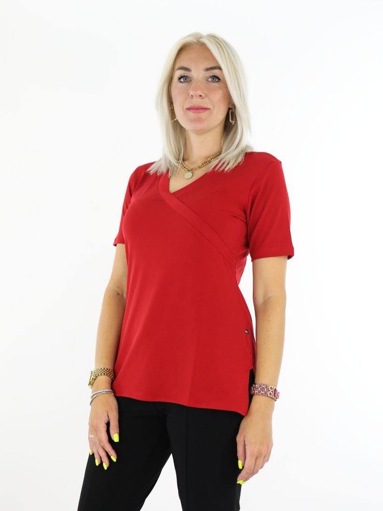anglle-milan-travel-top-travelstof-rood