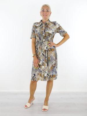 beige-paarse-travelstof-jurk-geknoopt-met-dierenprint-van-angelle-milan