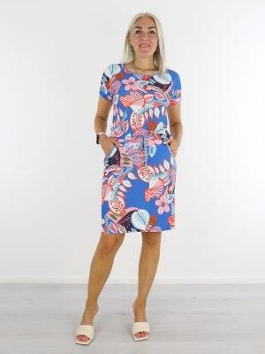 blauwe-travelstof-jurk-met-flower-power-print-van-angelle-milan