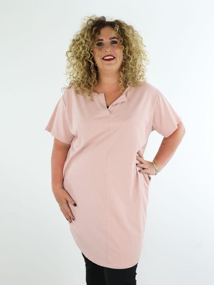 roze-sweaterjurk-one-size-plus-size