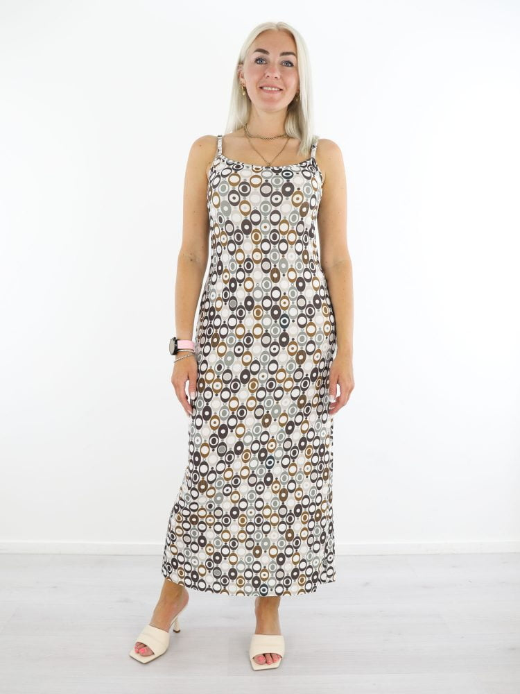 witte-travelstof-jurk-met-cirkelprint-van-angelle-milan