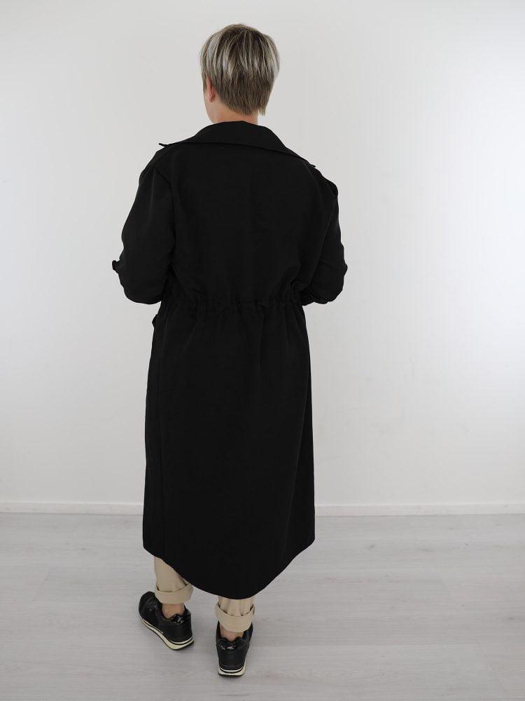 Jas-met-aantrektouwtjes-lange-zwart