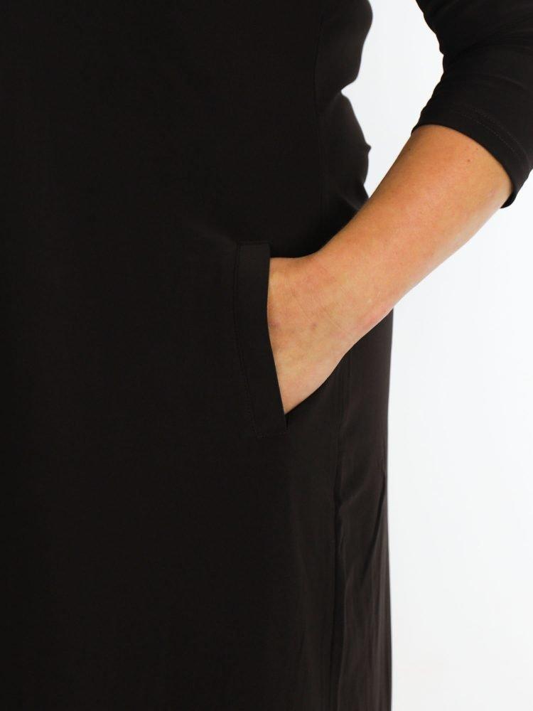 Travelstof-tuniek-bruin-gekleurd-basic-model-van-angelle-milan