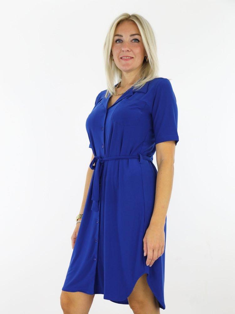 geknoopte-jurk-in-cobalt-blauw-van-travelstof-angelle-milan
