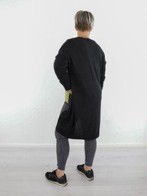 vest-zwart-met-zakken