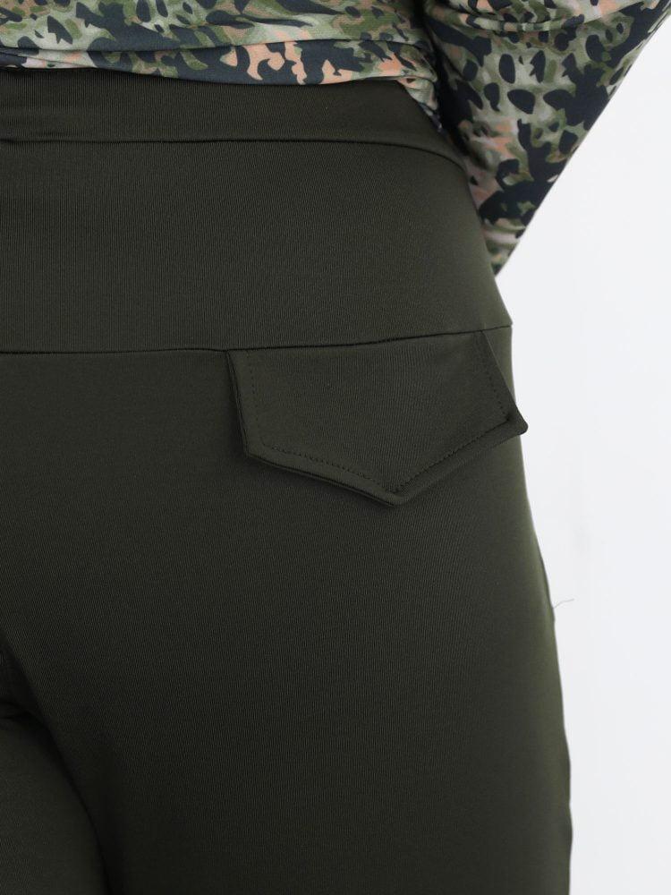 Travelstof-broek-in-army-groene-kleur-met-high-waist-van-angelle-milan