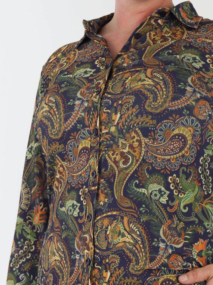 angelle-milan-paisley-blouse-van-travelstof-in-donkerblauw-met-bruin-en-groen