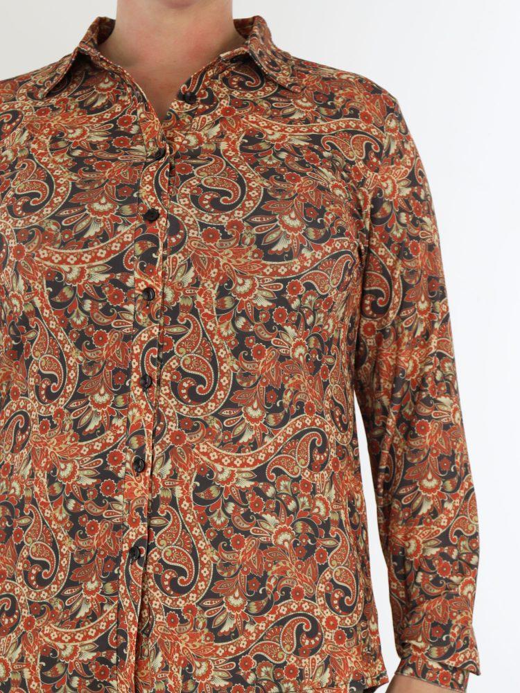 angelle-milan-travelstof-blouse-in-brique-met-elegante-bloemen