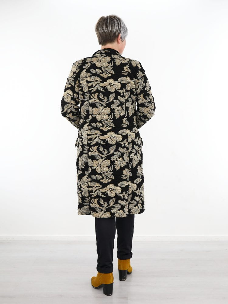 angelle-milan-tussenjas-in-zwart-met-beige-bloemen-print