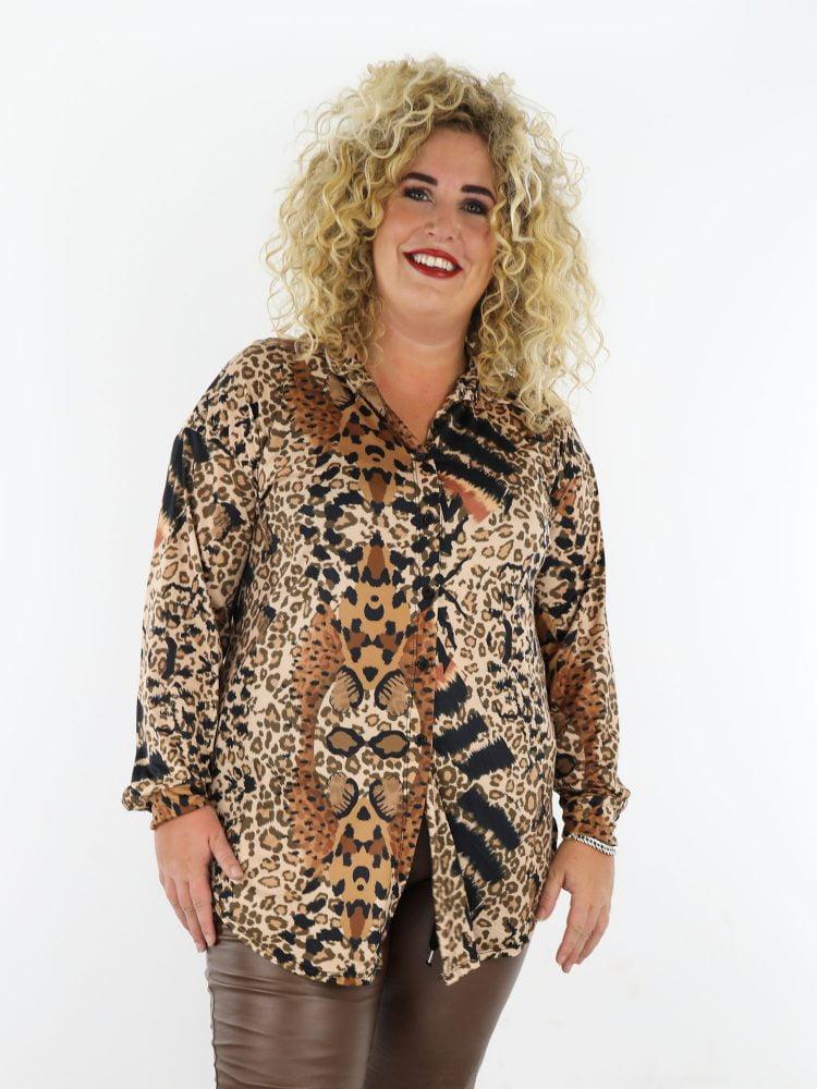 beige-travelstof-lange-blouse-met-cognac-zwarte-leopardprint-grote-maten