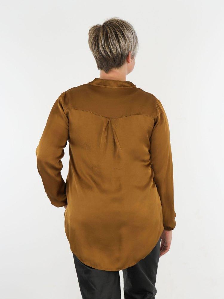 brons-kleurige-blouse-top-met-subtiel-v-halsje-en-borstzak