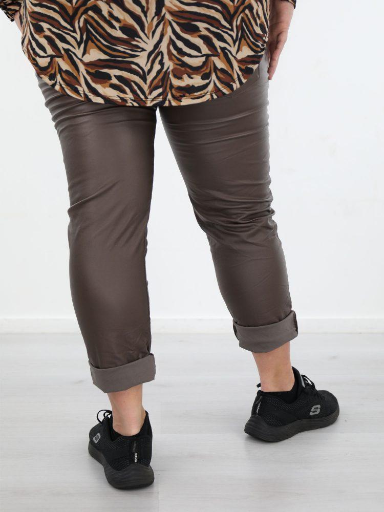 bruin-kleurige-PU-broek-plus-size