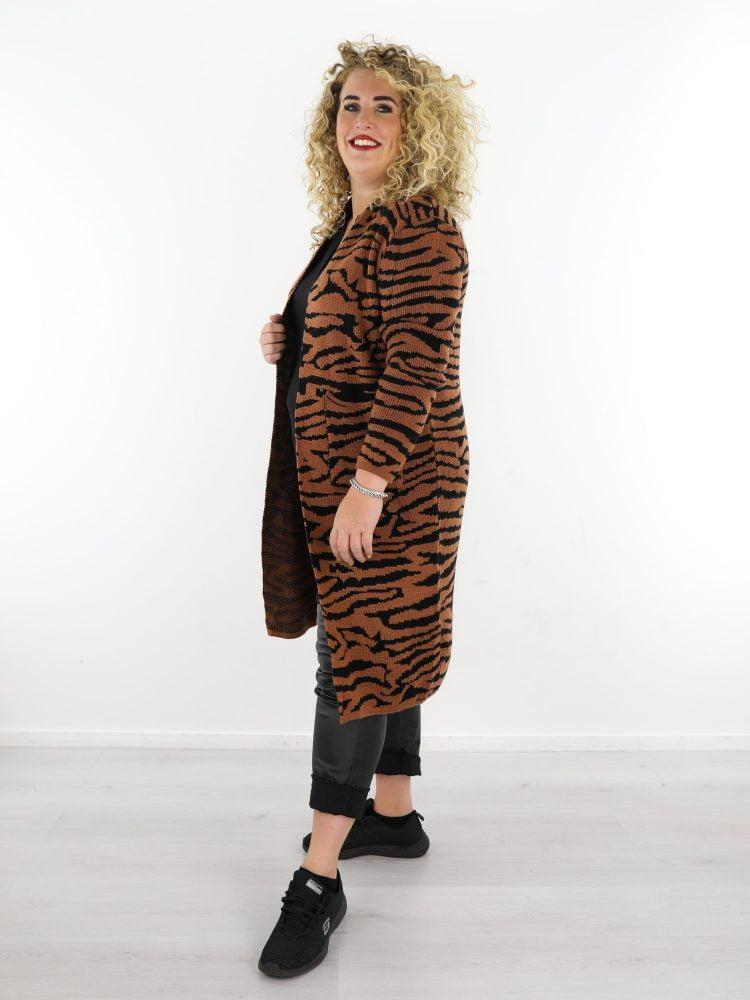 bruin-lang-vest-met-zwarte-tijgerprint-in-grote-maten