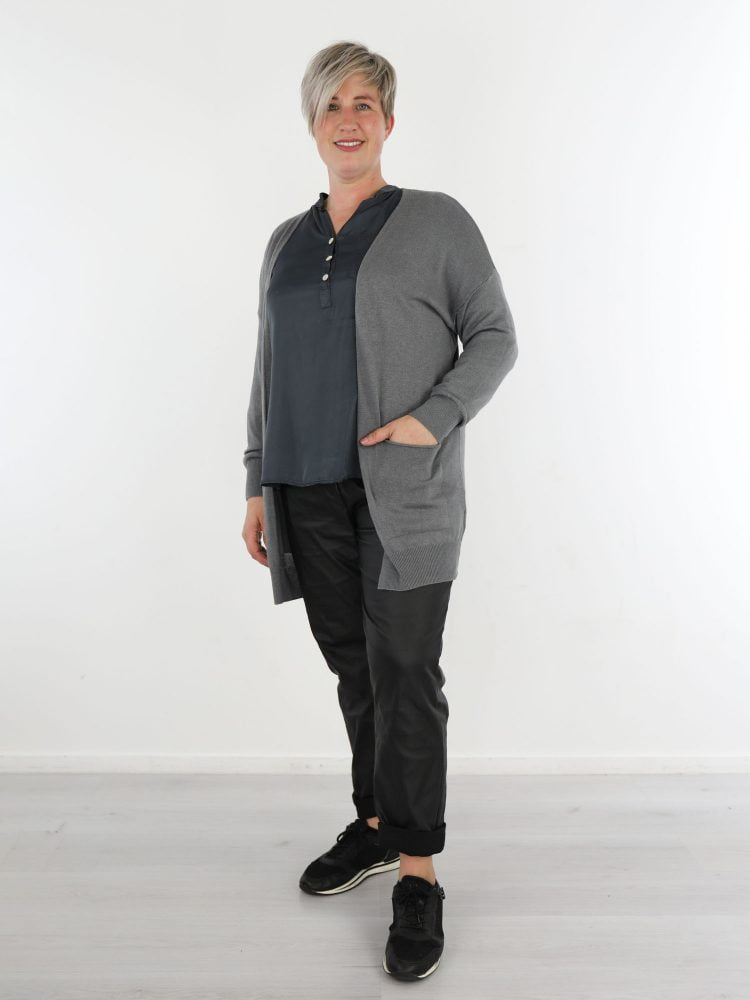 egaal-basic-cardigan-vest-met-zakken-in-een-grijze-kleur