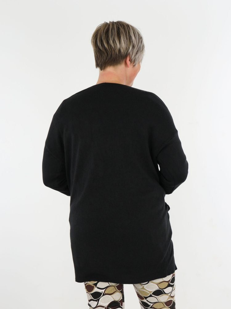 egaal-in-zwart-gekleurd-vest-met-zakken
