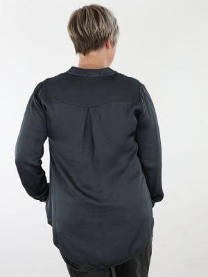 geknoopt-basic-top-blouse-met-subtiel-v-halsje-en-borstzak