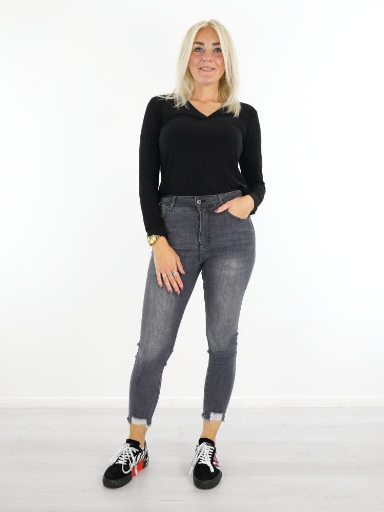grijze-jeans-gerafeld
