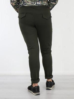 groen-gekleurde-travelstof-broek-met-high-waist-van-het-merk-angelle-milan