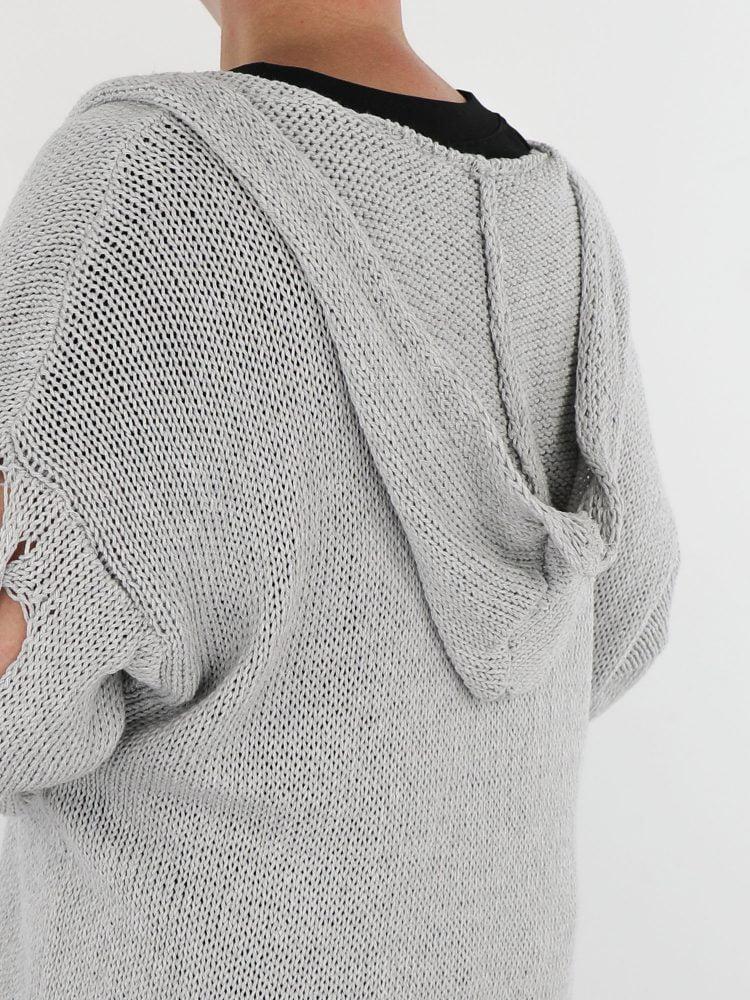 lichtgrijs-kleurig-vest-lang-met-open-gehaakte-mouwen-en-capuchon