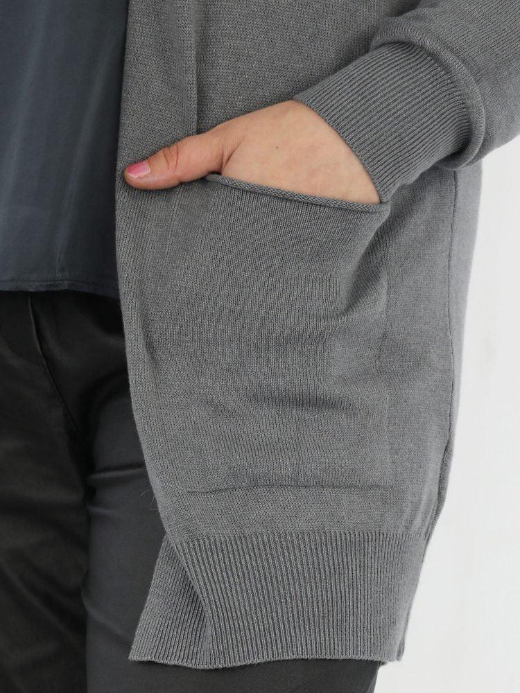 mooie-basic-grijze-vest-met-zakken