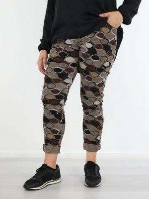 rib-broek-in-een-taupe-kleur-met-abstracte-print-in-bruin-met-zwart