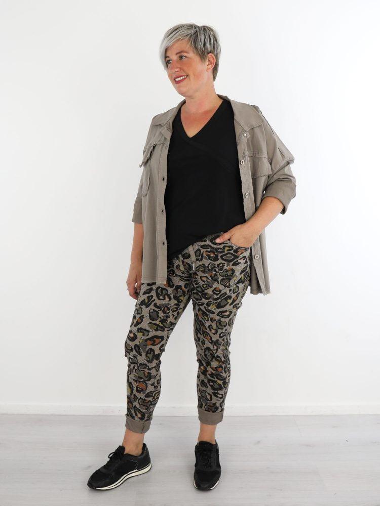 stoere-jack-in-khaki-kleur-met-stretch-en-borstzakken