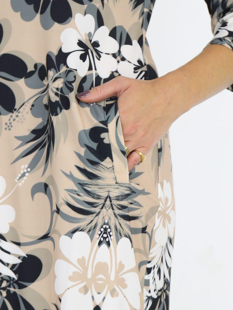 travelstof-tuniek-beige-met-bloemenprint