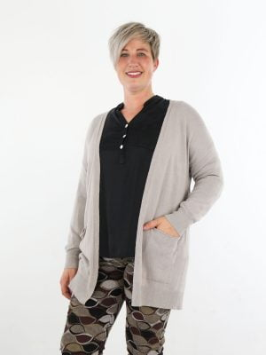 vest-met-zakken-in-een-egale-beige-kleur