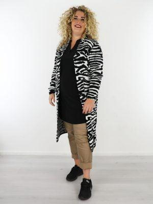 wit-zwart-lang-vest-met-zebraprint-in-grote-maten