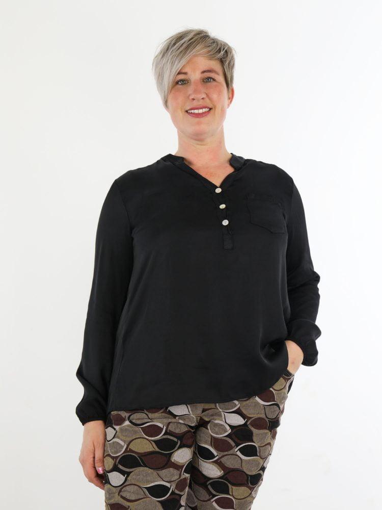 zwarte-blouse-top-met-v-hals-en-borstzak