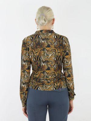 angelle-milan-travel-blouse-met-dierenprint-in-okergeel-en-antraciet