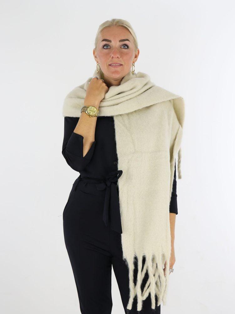 basic-ecru-gekleurde-sjaal-met-franjes