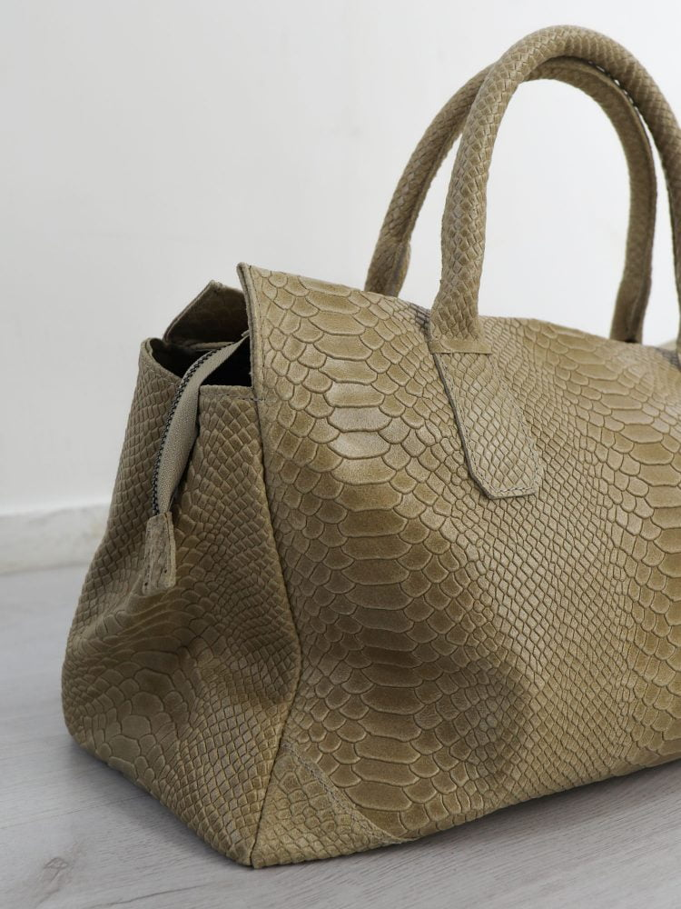beige-gekleurde-handtas-van-leder