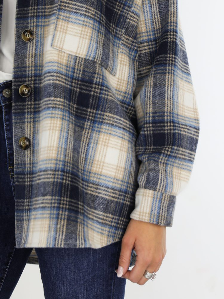 beige-met-blauw-gekleurde-flanel-blouse-met-borst-zakken