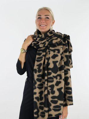 beige-zwarte-sjaal-met-gevlekte-print