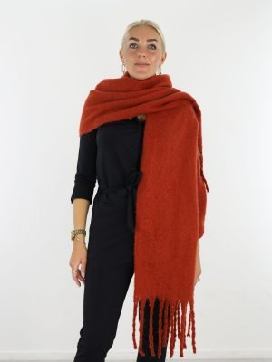 brique-gekleurde-sjaal-met-franjes