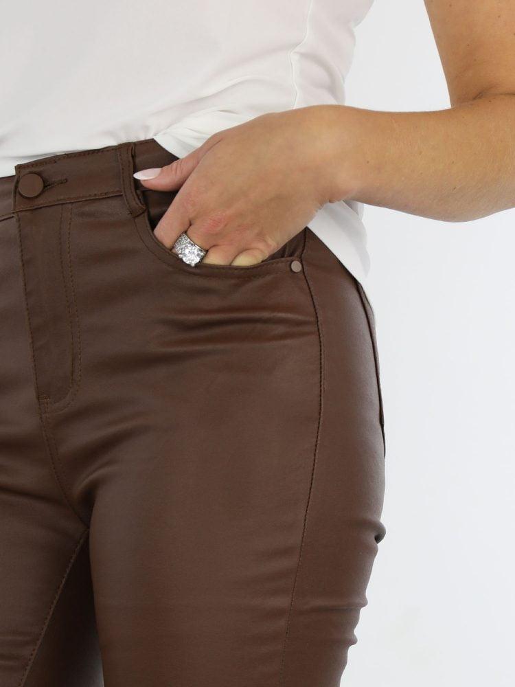 bruin-gekleurde-basic-PU-broek
