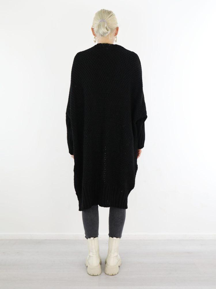 egaal-gekabelde-lange-vest-in-een-zwarte-kleur