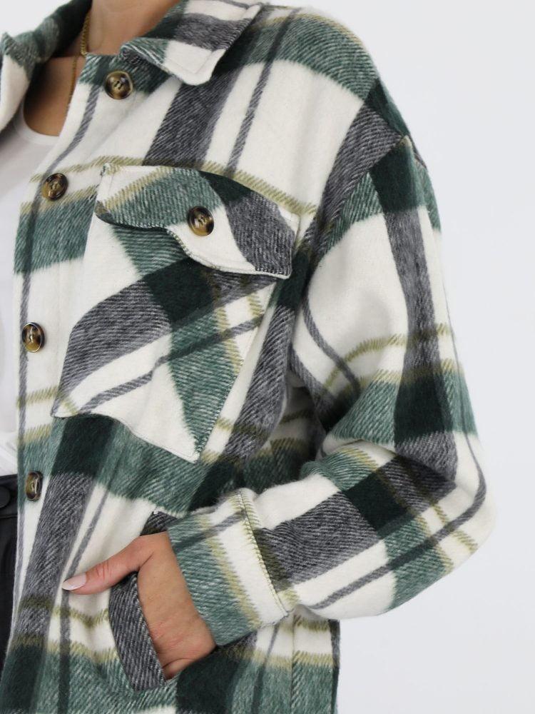 flanel-blouse-in-roomwit-met-groen-en-zwarte-kleur-details