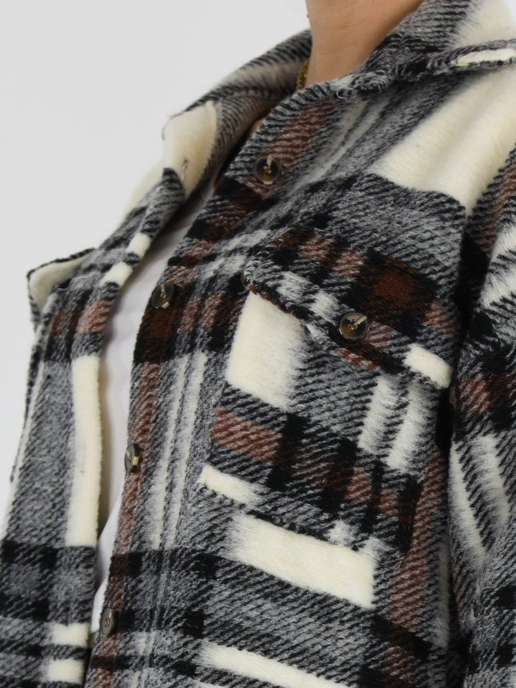 flanel-lange-blouse-jas-in-een-roomwitte-kleur-met-bruin-en-zwarte-accenten