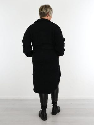geknoopte-teddy-jas-in-zwart-met-koord-om-de-middel