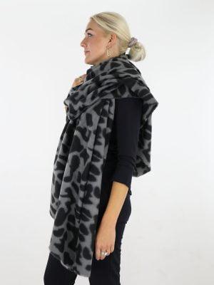 gelvekte-sjaal-in-de-kleuren-grijs-en-zwart