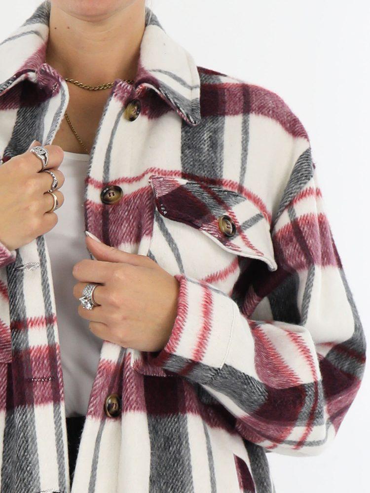 houthakkers-blouse-in-een-roomwitte-kleur-met-zwarte-en-raspberry-accenten
