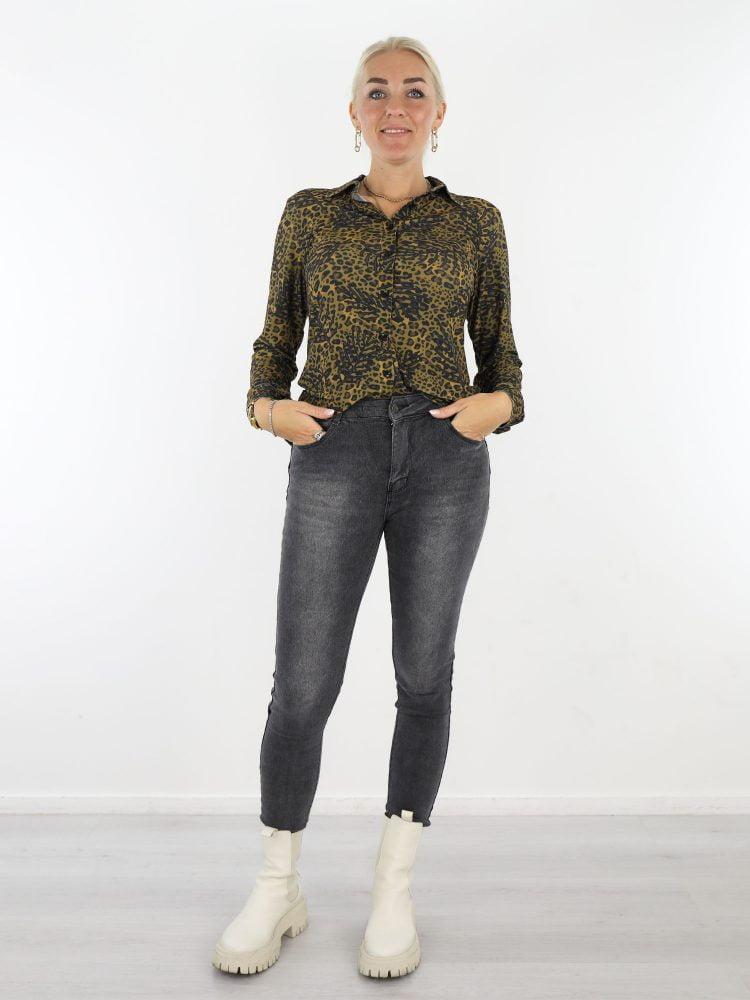 mosterdgeel-antraciet-travelstof-blouse-met-takprint-van-angelle-milan
