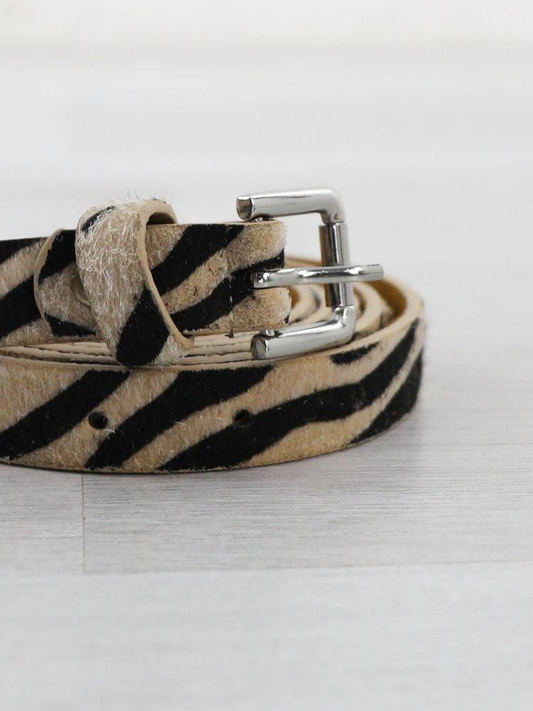 riem-van-leer-met-zebraprint-in-beige-en-zwart