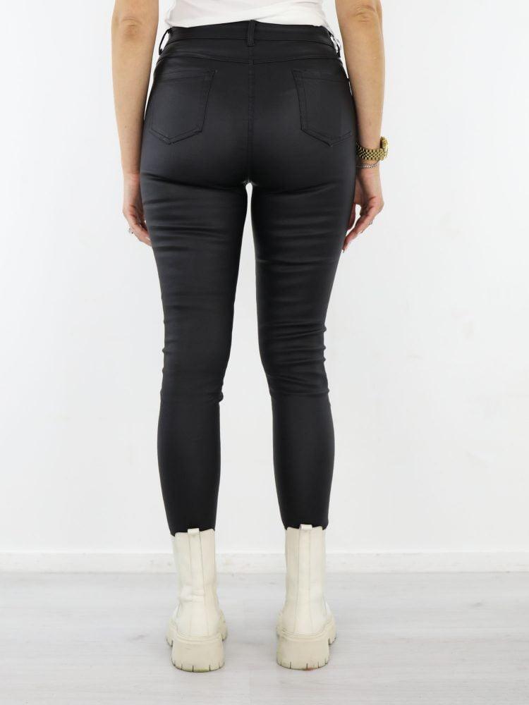 skinny-broek-met-stretch-high-waist-model-in-zwart